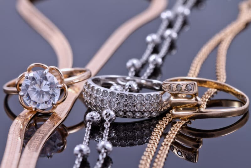 silver and gold fashion jewelry | How To Use Fashion Jewelry Accessories To Style Any Outfit