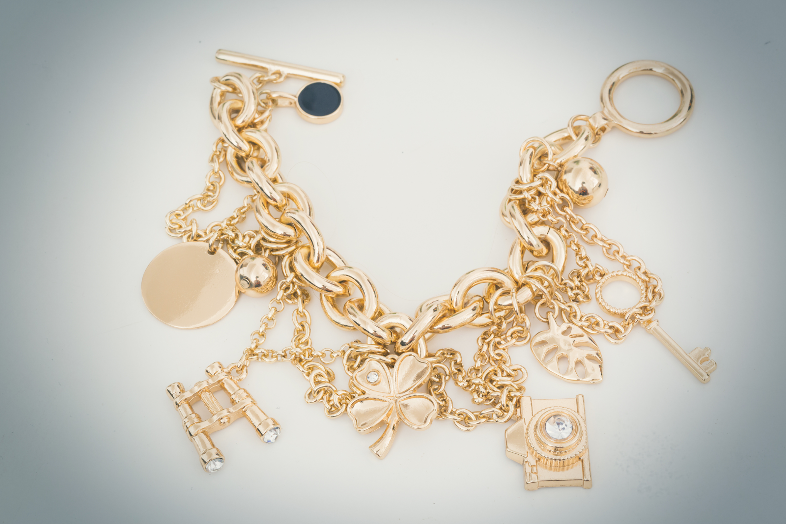 Gold Bracelet | 31 Most Popular Fashion Jewelry Trends For All Seasons