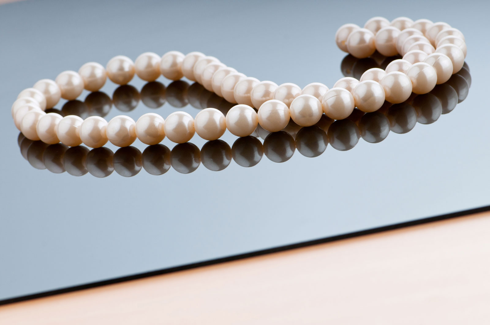 Pearl Necklace   6 Things To Look For From A Good Online Jewelry Store