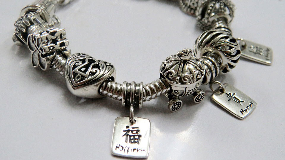 Silver Bracelet | Why Are People Loving Oxidized Silver Jewelry?