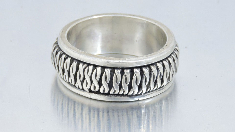 Silver Ring | Why Are People Loving Oxidized Silver Jewelry?